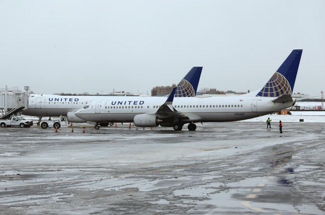 United Airlines airplanes on the tarmac at LaGuardia Airport