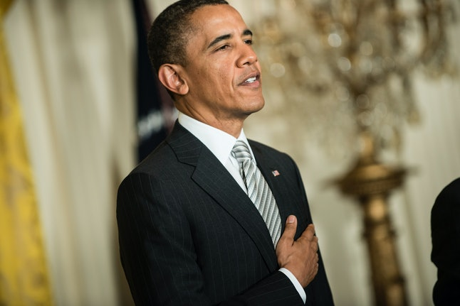Sites spreading stories reporting the president doesn't recite the Pledge of Allegiance are untrue.