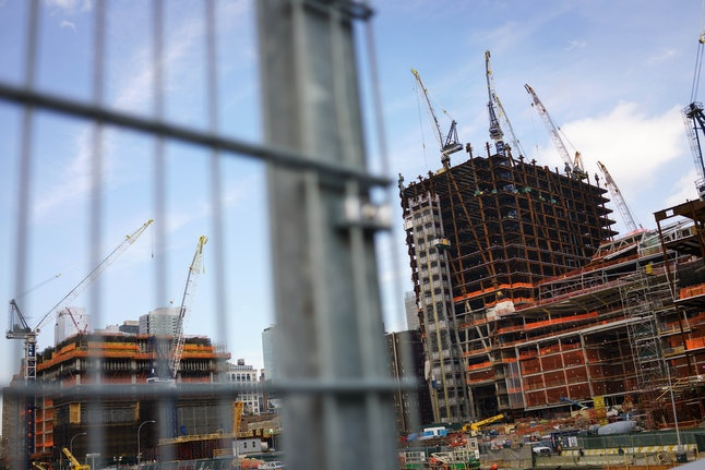 Landlords in expensive cities are increasingly under pressure to offer concessions thanks to a construction boom.