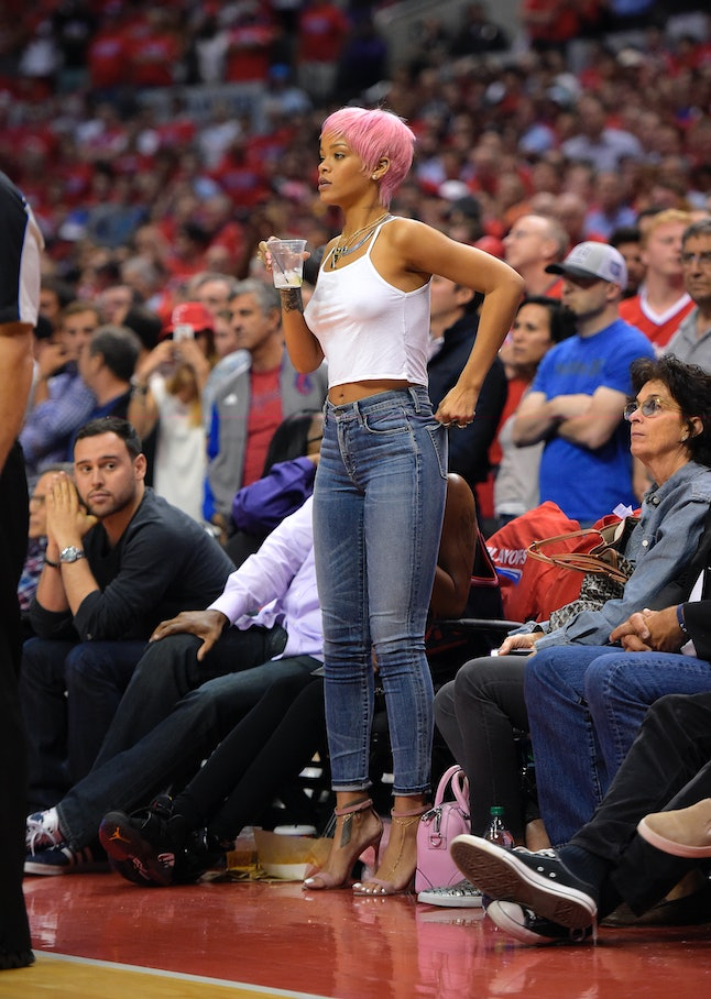 Rihanna at a Clippers and Thunder game in 2014