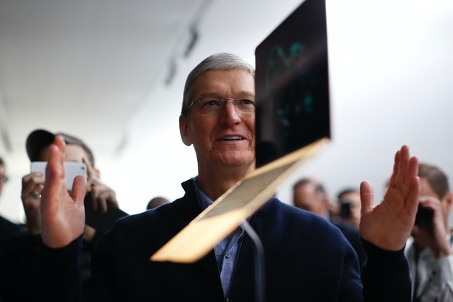 Tim Cook, don't throw that laptop! What are you thinking?!