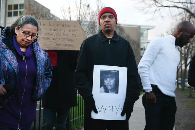 Judge throws out charges against Chicago cop in fatal off-duty shooting of Rekia Boyd