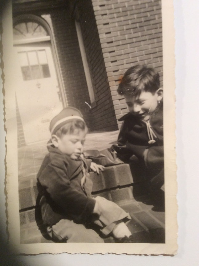 A young Bernie (L) and Larry (R) Sanders on a Brooklyn stoop.