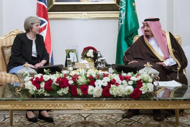 British Prime Minister Theresa May meets King Salman bin Abdulaziz al Saud of Saudi Arabia on December 6, 2016 in Manama, Bahrain.