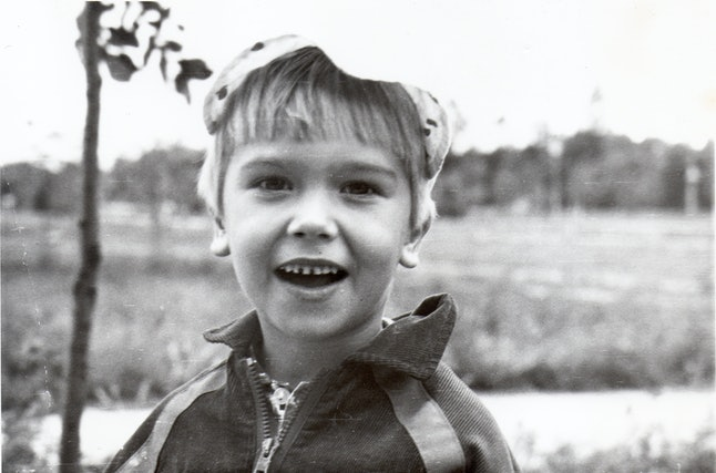 Pasha Zalutski, early childhood