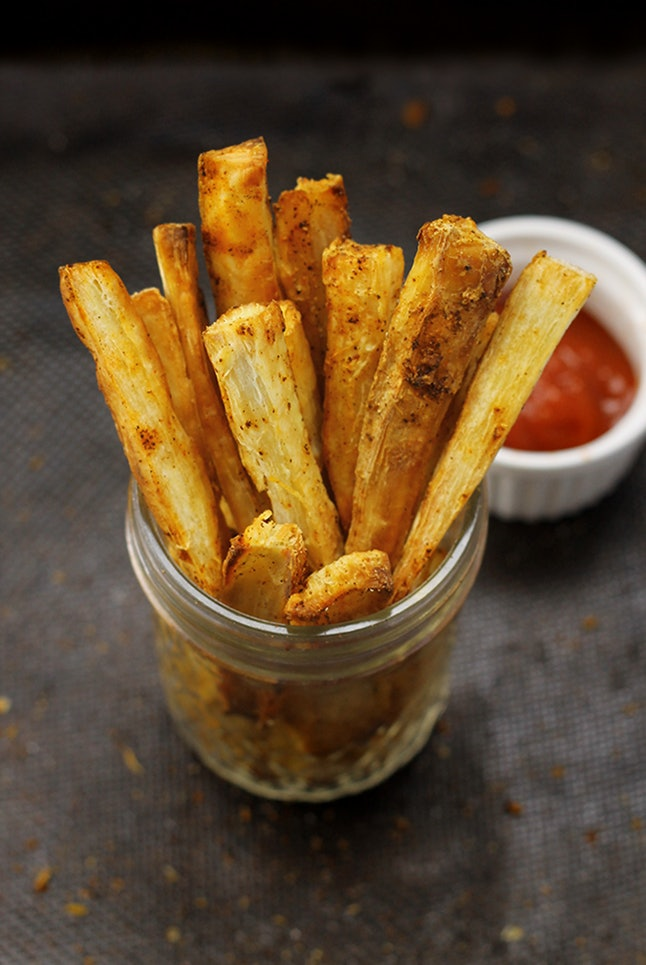 Crispy baked yuca fries