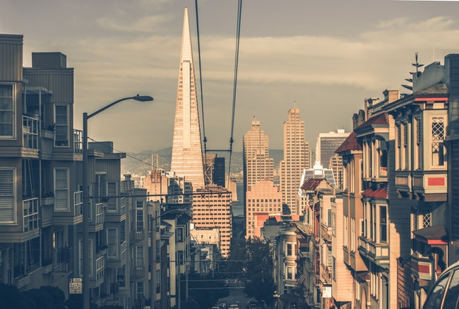 A person with a roommate in San Francisco saves about $1,122 a month compared to someone who lives alone.