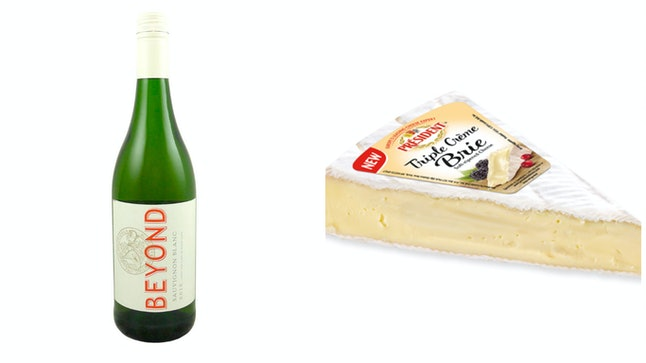 2015 Buitenvervachting Beyond Sauvignon Blanc with Brie