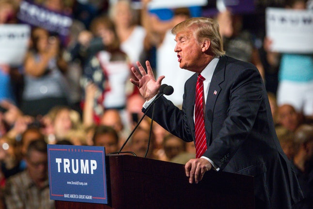 """Donald Trump gives a speech in Phoenix, where he condemned """"anchor babies."""""""