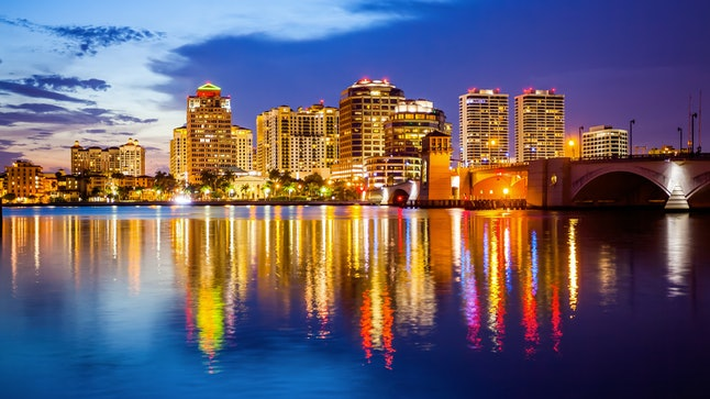 West Palm Beach is a tourist hub, with lots of price variance for housing.