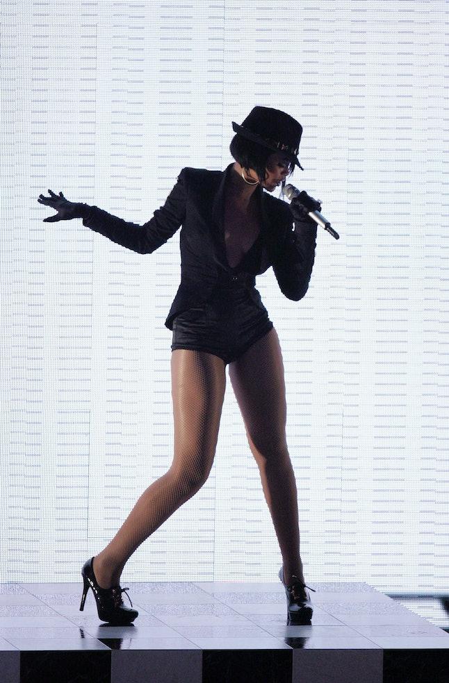 Rihanna at the VMAs in 2007