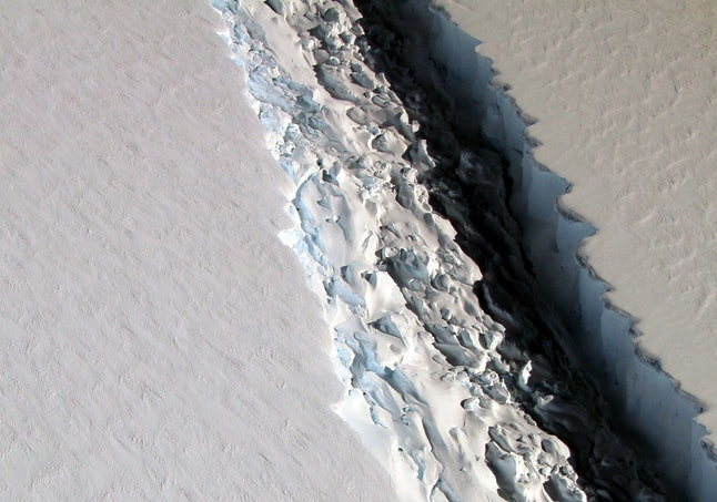 The Larsen C rift as it appeared in November 2016.