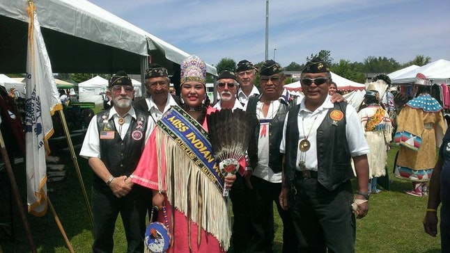 Miss Indian World 2014 Taylor Christianna Thomas visits Muckleshoot Veterans.
