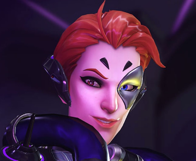 Moira's eyes are different colors, much like queer glam rock icon David Bowie.