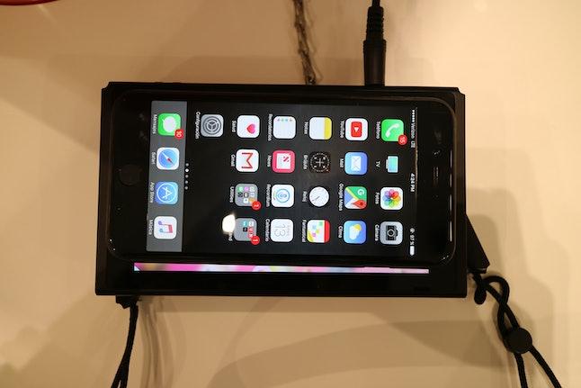 iPhone 7 Plus vs. Nintendo Switch screen size