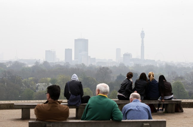 A smoggy day in London, 2014