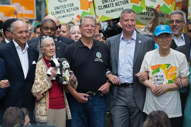 From left, French Foreign Minister Laurent Fabius, primatologist Jane Goodall, former U.S. Vice President Al Gore, New York Mayor Bill de Blasio, and U.N. Secretary General Ban Ki-moon participate in the People's Climate March in New York Sunday, Sept. 21, 2014.