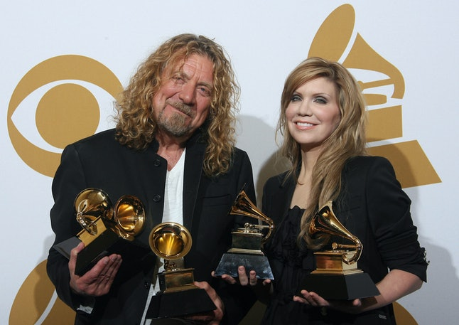 Singer Robert Plant and bluegrass singer Alison Krauss with their Grammy awards during the 51st annual Grammy awards held at the Staples Center in Los Angeles, on Feb. 8, 2009.
