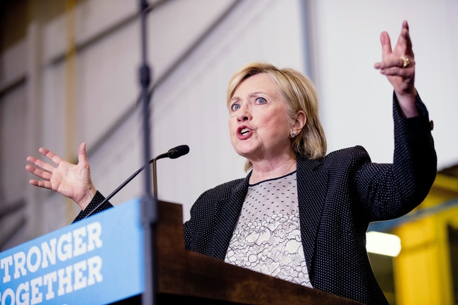Polls show voters prefer candidates with government experience — like Hillary Clinton.
