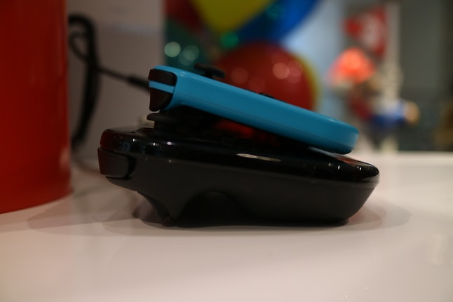 Nintendo Switch thickness next to Wii U GamePad
