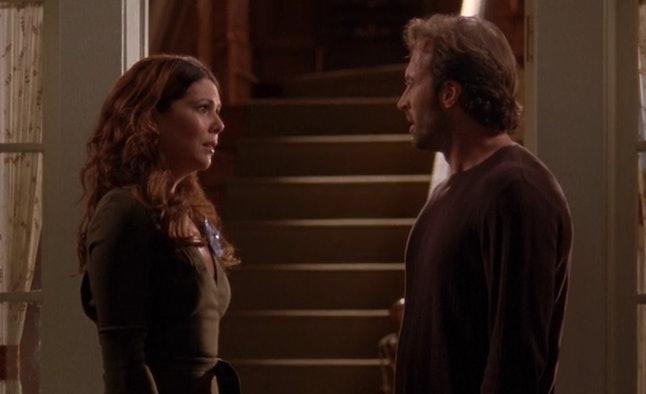 "Lorelai and Luke in ""Raincoats and Recipes"" (4.22)"