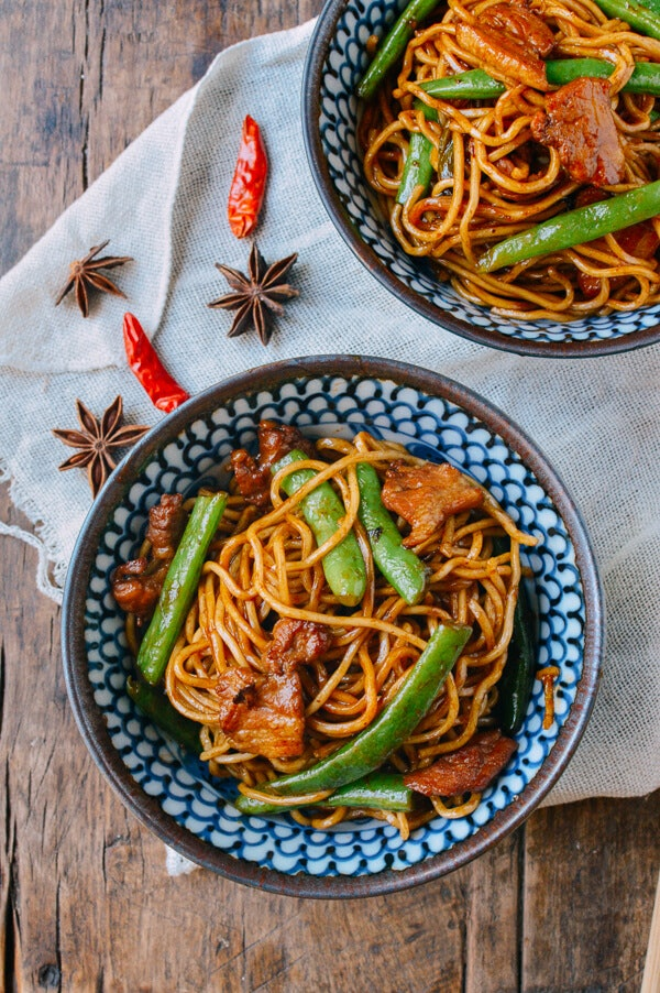 Steamed noodles with green beans