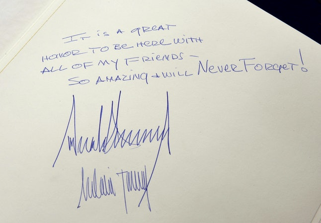 Donald Trump's note in the Yad Vashem guestbook.