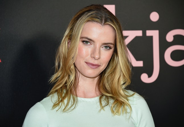 Betty Gilpin, Alison Brie's 'Glow' co-star