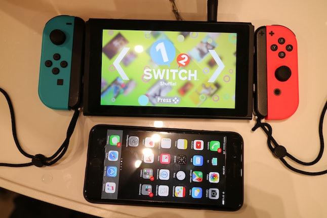 Nintendo Switch vs. iPhone 7 Plus