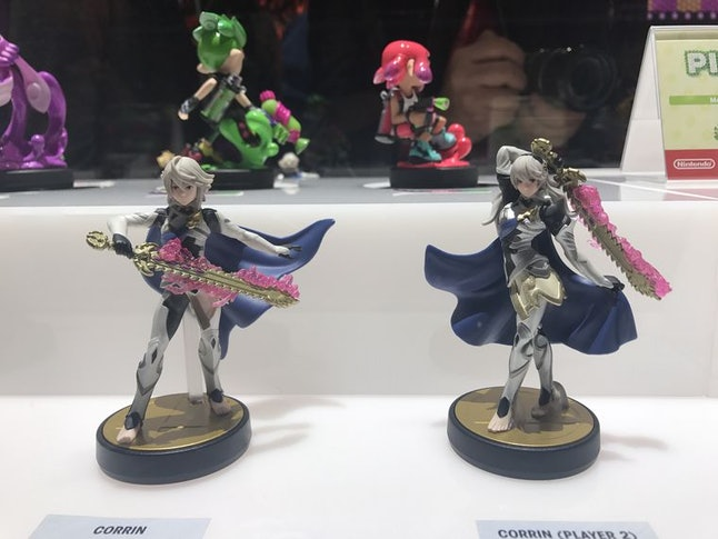 Corrin's amiibo is available in both male and female.