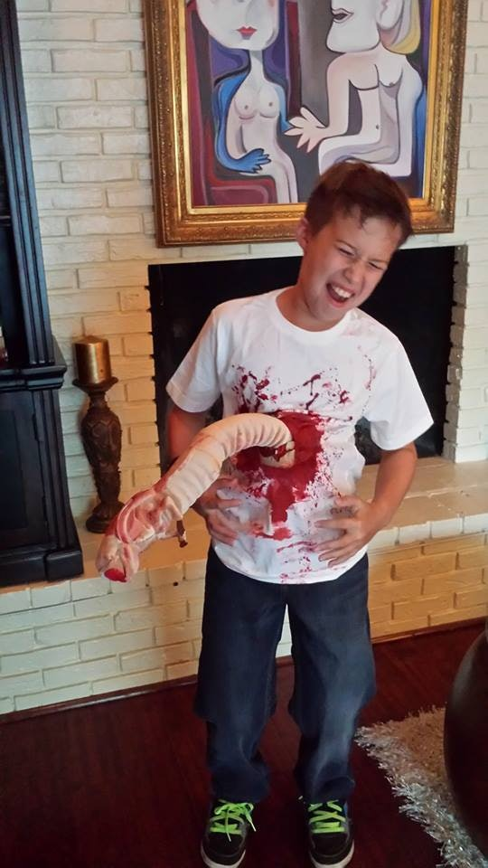 At the last minute Christian decided to go trick-or-treating. Good thing he has a creative mom.