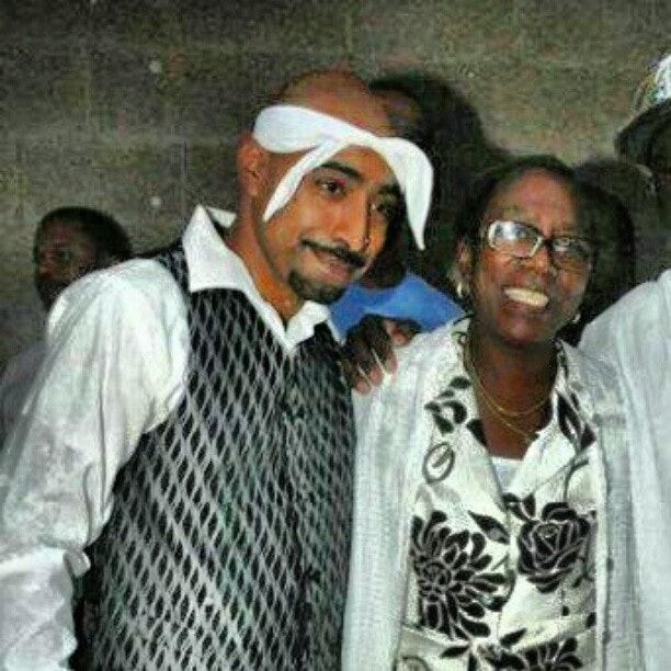 Richard Garcia meets Afeni Shakur in 2010.