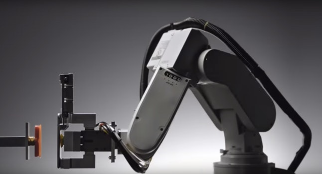 Apple's iPhone-recycling robot, Liam