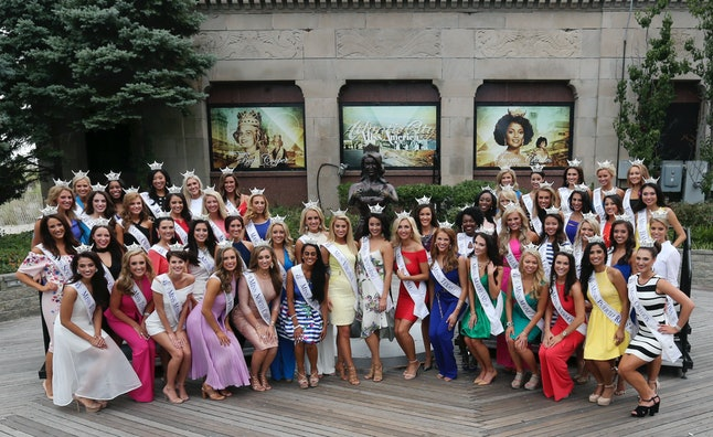 This year's Miss America contestants gather for a group photo.