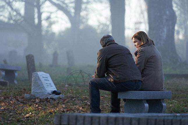 Mare Winningham and Ben Mendelsohn in The Outsider (2020)